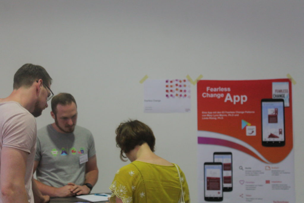 Stand der Fearless Change App mit Gründern
